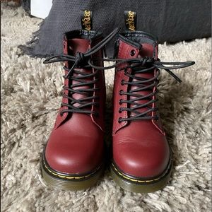 Dr. Martens Shoes | Junior 46 Softy T